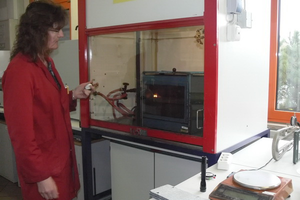 Suroflex: Brenntest im Labor