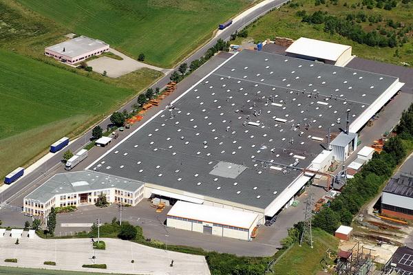 Suroflex Verwaltungs- und Produktionsgebäude