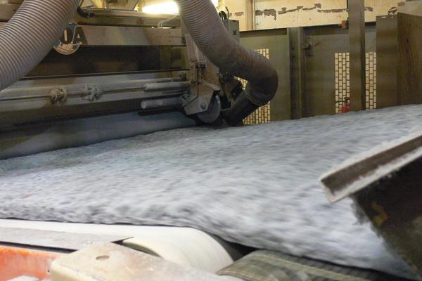 Suroflex: Vliesproduktion aerordynamische Vliesanalage